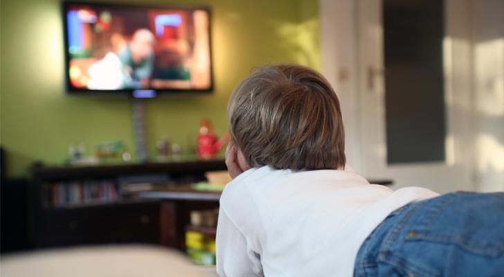 cocuklar-televizyon-izlemeli-mi